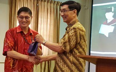 恭賀李漢星老師榮獲跨文化研究的博士學位